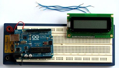 Enchufe el LCD en la protoboards